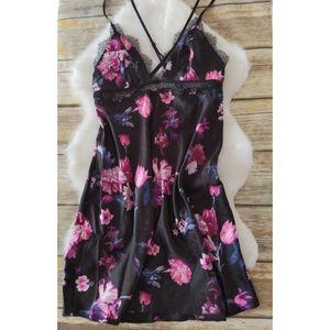Nwt Victoria's Secret Floral Slip